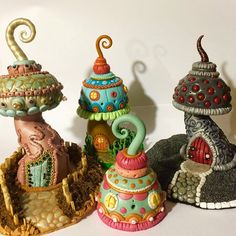 Bunny X productions is building a little town of polymer clay mushrooms, all decorated, colorful and seems cozy enough to live in ☺