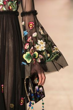 Andrew Gn, Spring 2017 - The Most Magnificent Details from the Spring Paris Runways - Photos frida mango loves this couture fashion floral detail bell sleeve dress, gypsy boho style for formal sophisticated Christmas events. Fashion Week, Fashion 2017, Runway Fashion, High Fashion, Fashion Beauty, Fashion Show, Womens Fashion, Paris Fashion, Face Fashion