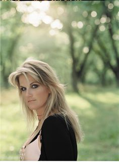 Trisha Yearwood.