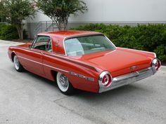 '62 Thunderbird