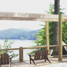 Rest and relax on Lake Jocassee.  Photo by Damian Hall // yeahthatgreenville