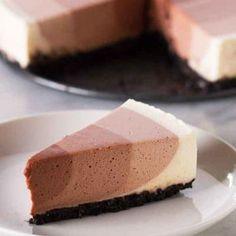 Ce cheesecake 3 nuances de chocolat va en mettre plein les yeux à vos invités
