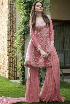 Shopping online indian party wear latest trendy party wear salwar kameez on sale in london Pakistani Fashion Party Wear, Pakistani Couture, Indian Party Wear, Pakistani Bridal Dresses, Pakistani Dress Design, Indian Dresses, Indian Outfits, Indian Fashion, Pakistani Engagement Dresses