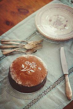 Time for cake at Longborne. Vintage Thanksgiving, Country Living, Country Life, Country Charm, Honey Lemon, Let Them Eat Cake, Food Styling, Tea Time, Panna Cotta