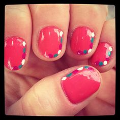 Coral manicure for spring #nails #nailart