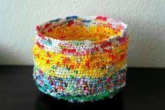 Basteln mit Plastiktüten - Ein Recycling Körbchen