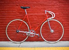 I own a vintage red road bike. It would be a nice restyling