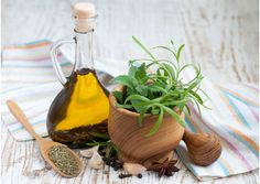 Oregano oil is not something we use on a daily basis. But, this list of 25 amazing oregano oil benefits will convince you to use it as often as possible! Natural Herbs, Natural Health, Herbs For Depression, Oregano Oil Benefits, Herbs For Anxiety, Oregano Essential Oil, Essential Oils, Cheesecake, Gourmet