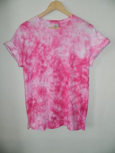 New tie dye acid & acid washed tops designed and customized by INFINITE CLOTHING Suitable for both man and woman. Cotton Hand Tie Dyed T Diy Tie Dye Shirts, Tie Dye Tops, T Shirt Diy, Kids Tie Dye, How To Tie Dye, Diy Clothes And Shoes, Tie Dye Crafts, Tie Dye Fashion, Bleach Tie Dye