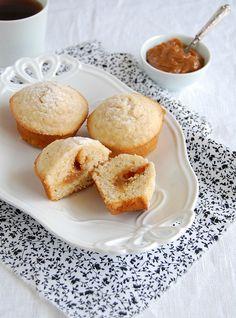 ✔ Muffins de amêndoa e doce de leite  / Almond and dulce de leche muffins