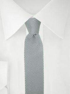 Graue gestrickte Krawatte . . . . . der Blog für den Gentleman - www.thegentlemanclub.de/blog