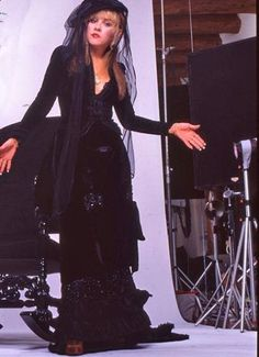 Classic Stevie Nicks 'Rock A Little' album era photo-this outfit is beautiful. Photo by HWWIII, courtesy of Rosemary Canteli. Stevie Nicks Costume, Buckingham Nicks, Stephanie Lynn, Stevie Nicks Fleetwood Mac, Look Vintage, Pink Satin, Pale Pink, Janis Joplin, My Idol