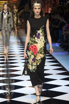 Dolce & Gabbana Fall 2016 Ready-to-Wear Collection Photos - Vogue