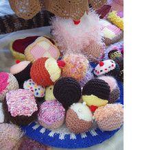 Knit Pretty Cupcakes