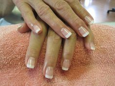 The classic American Manicure, more subtle than the French Manicure. Share and… The classic American Manicure, more subtle than the French Manicure. Share and… Sns Nails, Cute Nails, Pretty Nails, Acrylic Nails, Gel Manicures, French Nails, French Manicures, American Tip Nails, Nagel Gel