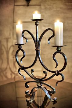 Tuscan Furniture, Metal Furniture, Tudor Decor, Wrought Iron Candle Holders, Metal Art Projects, Wrought Iron Gates, Iron Chandeliers, Iron Art, Antique Lamps