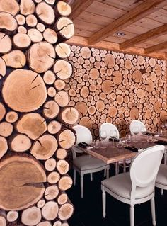 Portes du Soleil: charming chalets in the heart of the Alps - Home Page Restaurant Chalet, Deco Restaurant, Rustic Restaurant, Restaurant Design, Wooden Wall Decor, Wooden Walls, Commercial Interior Design, Commercial Interiors, Log Wall