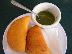 Colombian Empanadas : corn, chicken and beef Anthony Bourdain No Reservations, Corn Chicken, Colombian Food, Empanadas, South America, Beef, Cooking, Beautiful, Restaurants