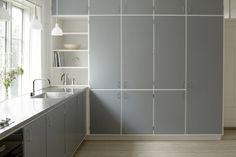 1960 mid-century modern. Custom retro wood work. Kitchen. Snedkerkøkkenet Taarbæk Strandvej - designet af Nicolaj Bo™
