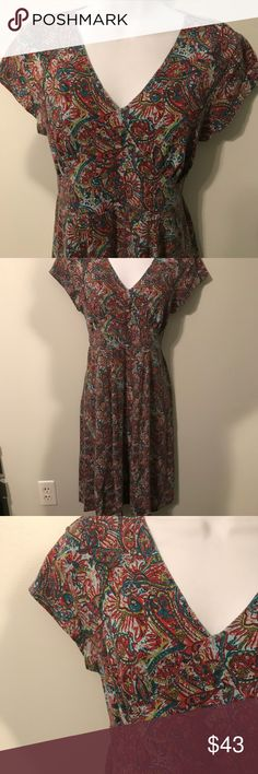 Sahalie Dress- GUC. Beautiful paisley colors Soft cotton & model blend material. Almost feels like a favorite tee shirt. Size Large. I'm a size 8 and a little big on me. Sahalie Dresses