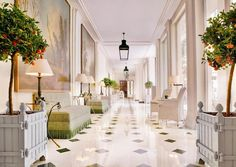 Opened in 1925, the property is decorated in quintessential French regalia. The grand foyer features polished marble floors, crystal chandeliers, plush flower arrangements and embellishments by the way of Versailles-style furniture and 17th-century antique tapestries; look out for the portrait of Marie Antoinette in drawing room-style Café Antonia.