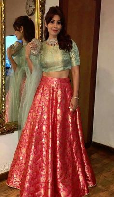 Indian Gowns Dresses, Indian Fashion Dresses, Dress Indian Style, Indian Outfits, Fashion Outfits, Red Outfits, Indian Clothes, Lehenga Designs, Lengha Design