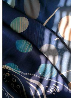 ¡Oh, cómo me gustan los pañuelos de Charlotte Linton! http://www.dadanoias.net/2012/04/15/charlotte-linton/