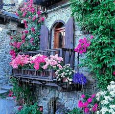 French Country Balcony - Home Decor - Beautiful Gardens, Beautiful Flowers, Beautiful Places, French Balcony, Balcony Flowers, Garden Windows, Window Boxes, Flower Boxes, Windows And Doors