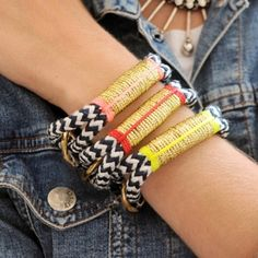 summer bracelets. Why don't they sell these things through Dutch e-shops...grrr