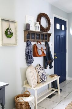 How to Decorate a Small Entryway   Abby Lawson