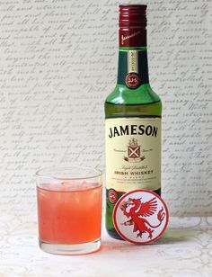 The Kingslayer: A Whiskey Drink I usually only mix Jamesons with ginger ale, but this sounds pretty good!