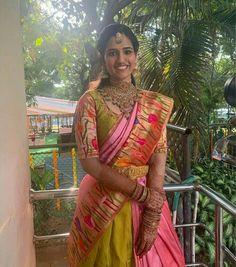 Half Saree Designs, Fancy Blouse Designs, Lehenga Designs, Indian Bridal Sarees, Indian Bridal Fashion, Dress Indian Style, Indian Blouse, Indian Wear, Cotton Frocks For Kids