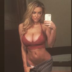Lindsey Pelas a stunning model currently living in Hollywood. Lindsay became famous online because of Dan Bilzerian. Click on her picture to read the whole story with stunning pictures!
