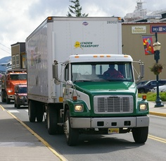 Juneau AK-Freightliner- Lynden Transport 25/8/2010 by scotrailm, via Flickr