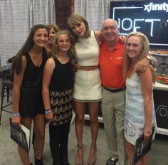 Pre-show M&G at the 1989 Tour in Tampa, Florida 10/31/15
