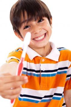 Cómo enseñar a los niños a cuidarse los dientes