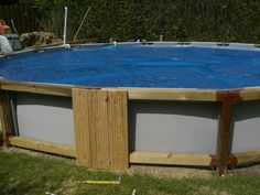 This is amazing above ground pool ideas with decks. Building a deck around your above ground pool changes the look and feel immensely. Intex Above Ground Pools, Above Ground Pool Landscaping, Backyard Pool Landscaping, In Ground Pools, Piscina Intex, Piscine Diy, Swimming Pool Decks, Intex Pool, Diy Pool