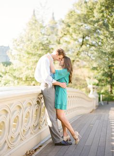 Central park engagement, new york engagement shoot, what to wear for your engagement shoot, outdoor engagement shoot