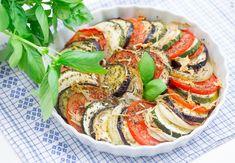 Zapiekanka z bakłażanem i pomidorem na styl śródziemnomorski #intermarche #przepisy #zapiekanki Ratatouille, Keto, Ethnic Recipes, Food, Hoods, Meals