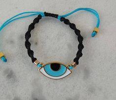 Beautifull Macrame Bracelet with Evil Eye