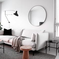 Sweet Home, Sofa, House Design, Throw Pillows, Living Room, Mirror, Cool Stuff, Architecture, Bed