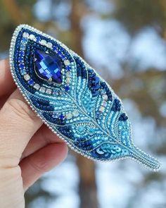 Repost @chemeliine_z  by @media.repost:  На днях покажу новинку. В нем использовала техники и форму из этих украшений. Есть предположения, что же это будет?   Ответ на поверхности, уверяю вас😅. Bead Embroidery Jewelry, Beaded Embroidery, Beaded Jewelry, Beaded Bracelets, Beading Needles, Brooches Handmade, Beaded Brooch, Bead Crafts, Turquoise Bracelet