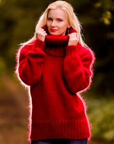Custom made thick fuzzy hand knitted mohair sweater in red by SuperTanya, M/L size Mohair Yarn, Mohair Sweater, Gros Pull Mohair, Icelandic Sweaters, Red Design, S Models, Shawls And Wraps, Summer Collection, Making Ideas