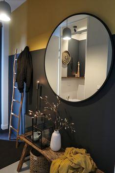 De make-over van onze hal en toilet met verf van Farrow & Ball Farrow Ball, Farrow And Ball Paint, Home Interior, Interior Decorating, Interior Design, Cosy Home, House Stairs, Hall House, House Painting