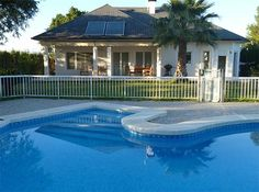 Holiday villa located north of the center Dolores and offers its good Transport links to the optimal mix between nocturnal rest and close to the tourist towns.  #Costa #Blanca #Spain #Holidays