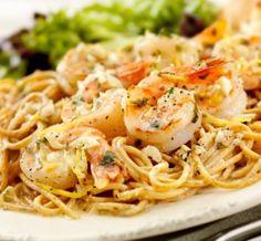 True Lemon Pepper Shrimp Linguine, Pasta is tossed with a lemony wine and shrimp mixture! Get the recipe here > http://www.truelemon.com/recipe/true-lemon-pepper-shrimp-linguine