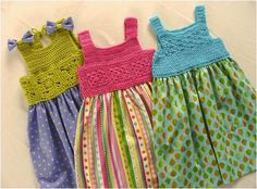Diy Crafts - Baby Clothing: Green Top , with short sleeves Knit Blue Top , with short sleeves Cream Cardigan , natural cotton Crochet Baby Dress Pattern, Baby Dress Patterns, Crochet Baby Clothes, Baby Knitting Patterns, Baby Outfits, Kids Outfits, Baby Tulle Dress, Vestidos Bebe Crochet, Kids Dress Wear
