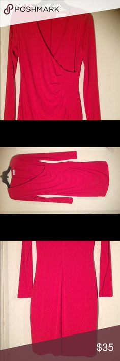 ❤️ Calvin Klein Starburst Scuba Dress NWOT; Calvin Klein  size: 10 & color: Red V-neckline, Concealed back zip closure  Fitted Sheath Silhouette  95% polyester 5% spandex Calvin Klein Dresses Long Sleeve