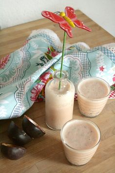 Passionfruit Guava Shake for a hot summer day #shake #tropical
