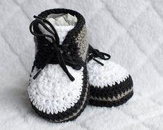 Crochet Baby Sneakers Crochet Newborn Booties by DaisyNeedleWorks